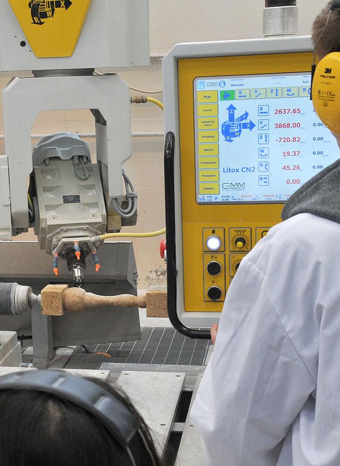 laboratorio-scuola-qualifica-macchine-utensili-controllo-numerico-02