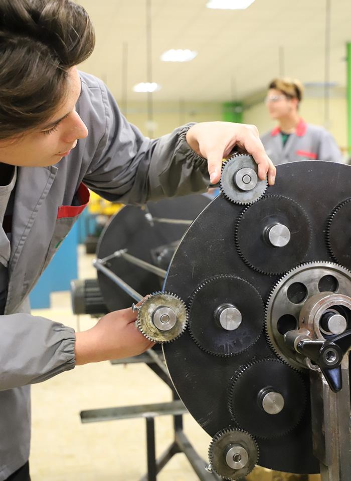 scuola-qualifica-montaggio-manutenzione-macchine-impianti-issz