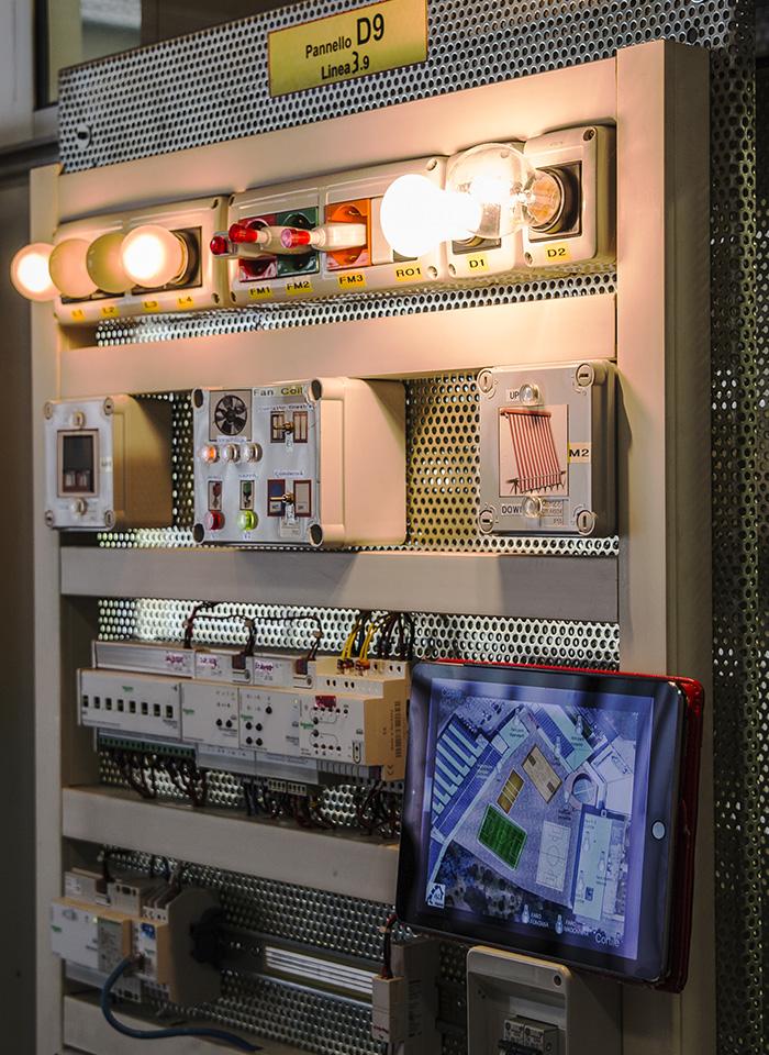 scuola-triennio-diploma-elettronica-elettrotecnica-laboratorio-01