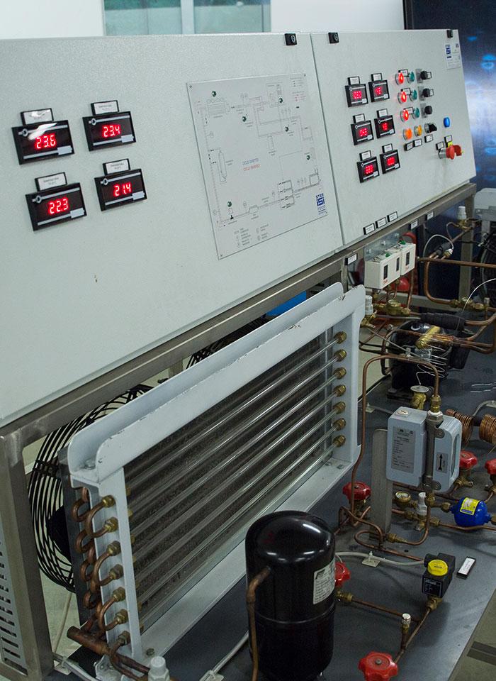 scuola-triennio-diploma-energia-termotecnica-laboratorio-01