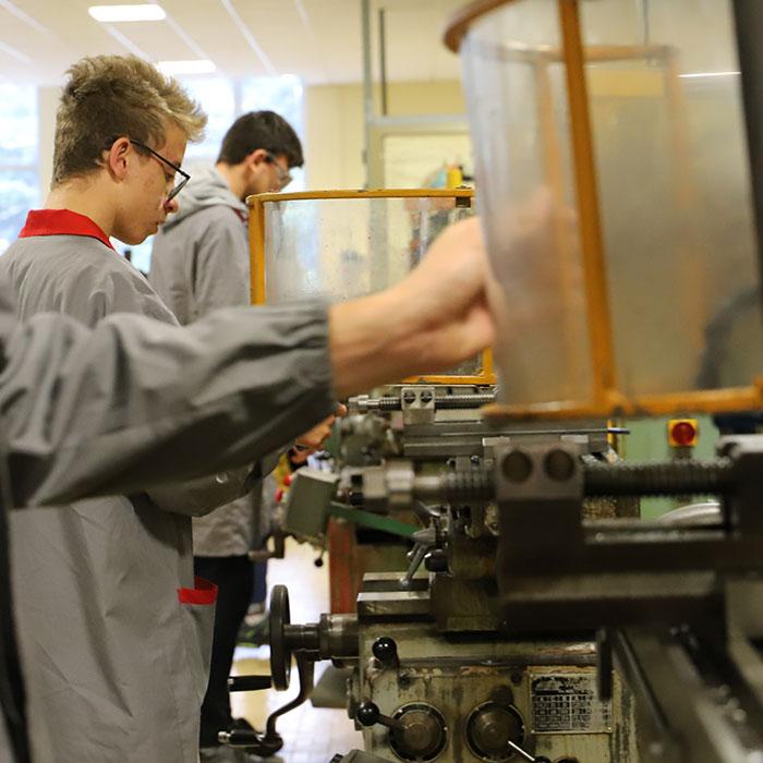 scuola_formazione_professionale_cfp_laboratorio_meccanica